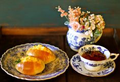 ブルー&ホワイトで始まる朝 : マドモアゼルジジの感光生活