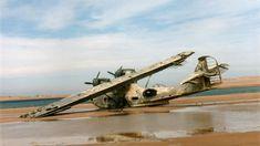 abandoned airplane |