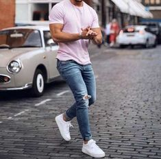 Moda homem fashion menswear for 2019 Blue Jeans Outfit Men, Mens Casual Dress Outfits, Blue Jean Outfits, High Fashion Men, Uk Fashion, Fashion Menswear, Urban Fashion, Stylish Men, Men Casual