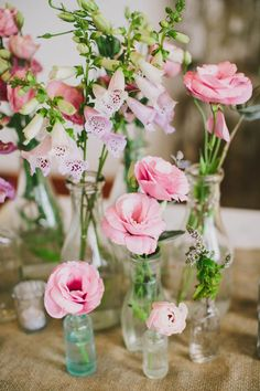 Pink floral centerpieces | Photography by Henry + Mac