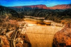 Hoover Dam, once known as Boulder Dam: http://www.tripglob.com/famousdam/dam/hooverdam       #travel #traveling #travelphoto #worldtravel #lazoo