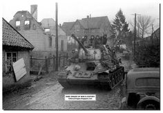 HISTORY IN IMAGES: Pictures Of War, History , WW2: 1945: As The Soviet Army Closed In Slowly.......Last Stages Of WW2 (LARGE IMAGES)