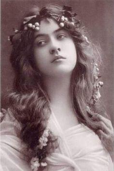 Retro - Maude Fealy (1883-1971) - actrice