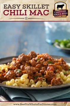 The best stovetop chili mac made with ground beef, beans, and salsa. Make this Easy Skillet Chili Mac recipe for a quick and delicious meal on a busy day. Best Beef Recipes, Beef Recipes For Dinner, Chili Recipes, Delicious Recipes, Favorite Recipes, Macaroni Recipes, Pasta Recipes, Beef Appetizers, Chicken And Shrimp Pasta