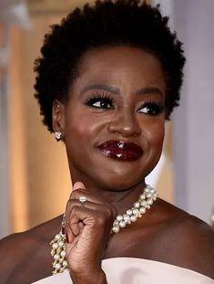 Black Actresses, Black Actors, Black Celebrities, Celebs, Viola Davis, Older Women Hairstyles, Trendy Hairstyles, Bandana Hairstyles, Loc Hairstyles