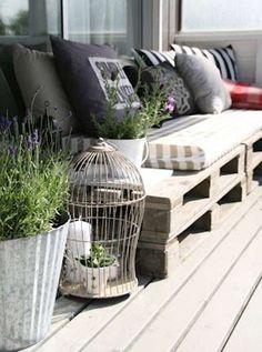 Arredare giardino con i bancali - Divano con pallet