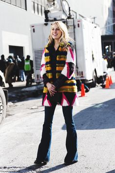 New_York_Fashion_Week-Fall_Winter_2015-Street_Style-NYFW-Falred_Jeans-Fur_Coat-