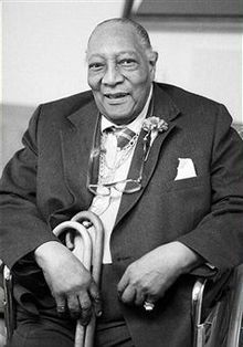 James Van Der Zee (June 29, 1886 - May 15, 1983) was an African American photographer best known for his portraits of black New Yorkers. He was a leading figure in the Harlem Renaissance.National recognition was given to him at age 82, when his collection of 75,000 photographs spanning a period of six decades of African-American life was discovered by the Metropolitan Museum of Art. His photos were featured in 1969 as part of the Harlem on my Mind exhibition. #TodayInBlackHistory
