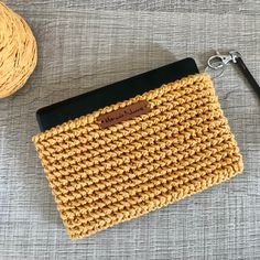 Love the texture of that crochet. Love your new colourful crochet too Cristina! Crochet Backpack Pattern, Crochet Clutch Bags, Free Crochet Bag, Crochet Purse Patterns, Crochet Pouch, Crochet Bookmarks, Crochet Purses, Knit Crochet, Crochet Bags