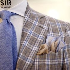 everybodylovessuits:  This blazer has the perfect amount of flare and style! Looks awesome (and linen).With brown, light blue and white mix blazer you have already a lot of colors.Make sure tie, pocket square and shirt are from these same colors…like in this pic.