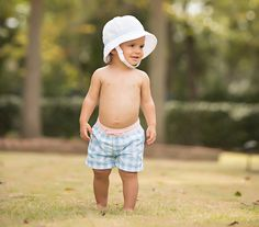 Sir Proper& Warning: We strongly urge you to avoid aerosol sunscreens. Spray sunscreens cause discoloration and staining. The culprit seems to be an ingredie Little Boy Outfits, Little Boys, Beaufort Bonnet Company, Baby George, Summer Feeling, Mini Me, Seersucker, Toddler Fashion, Kids Fashion