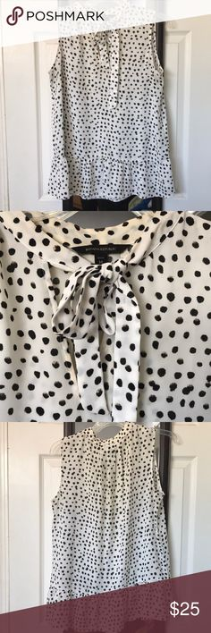 Banana Republic blouse Worn a few times! Banana Republic Tops Blouses