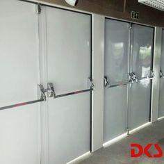 A segurança é um dos fatores primordiais de qualquer local. Entre os determinantes estão alguns itens como janelas, equipamentos, e, principalmente portas e barras anti pânico.  #BarrasAntipanico #HDPortas #DicasdeSegurança #EquipamentosdeSegurança