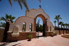Anthony's Monastery is a Greek- and English-speaking monastery in the Metropolis of San Francisco of the Greek Orthodox Archdiocese of America. State Of Arizona, Arizona Usa, Orthodox Christianity, The Monks, Continents, The Locals, Oasis, America, Mansions