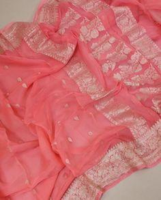 Silk Saree Banarasi, Indian Silk Sarees, Soft Silk Sarees, Pure Georgette Sarees, Pink Saree Silk, Cotton Saree Designs, Silk Saree Blouse Designs, Sari Blouse, Chiffon Saree Party Wear