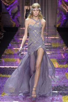 Best Versace Dress is Interesting in May 2018 - Atelier Versace, Versace 2015, Gianni Versace, Victor Ramos, Versace Dress, Couture Week, Couture Dresses, Gala Dresses, Club Dresses