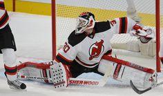 Devils c. Canadien: match du 27 janvier 2013 au Centre Bell - Martin Brodeur n'a pu arrêter le tir de Brendan Gallagher.  Photo Martin Chevalier / Agence QMI