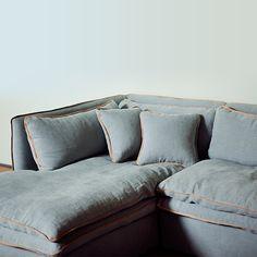 Francfranc(フランフラン) |【 PRODUCT FILE 】 FILE.000 TUFFO SOFA(トゥッフォソファ) 包み込むような座り心地で、リラックスタイムを演出