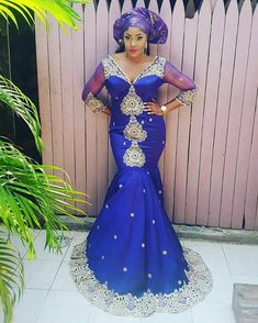 7 Perfect Aso Ebi Styles You Need To CopB Amillionstyles - Blue ensemble African Attire, African Wear, African Women, African Dress, African Print Fashion, African Fashion Dresses, Africa Fashion, African Outfits, African Prints