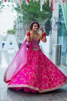 Gorgeous twirling bride with pink lehenga for mehendi. See more on wedmegood.com #wedmegood #indianwedding #indianbride #pink #lehenga #lehengacholi #bridallehenga #bridallehengacholi Pink Bridal Lehenga, Pink Lehenga, Indian Bridal Lehenga, Indian Bridal Outfits, Indian Bridal Wear, Indian Designer Outfits, Designer Dresses, Bollywood Lehenga, Sabyasachi