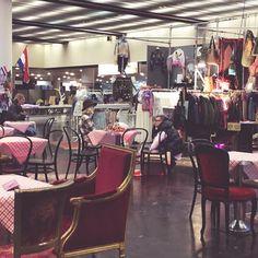 Sneak Peek!  #sneakpeek #fashionfair #fair #trade #design #interior #vintage #fashion #secondhand #shopping #düsseldorf #chair #furniture #facility #elisazunder #zunder #zunderblog #blogger #lifestyle #event #enroute #unterwegs #action