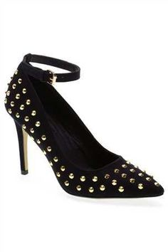 Gold Stud Point Shoes