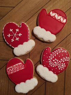 christmas cookies royal icing Weihnachtspltzchen M - christmascookies Easy Christmas Treats, Christmas Sugar Cookies, Noel Christmas, Holiday Cookies, Christmas Baking, Gingerbread Cookies, Snowman Cookies, Snowflake Cookies, Christmas Ideas