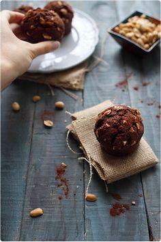 Muffins au cacao amer et cacahuètes