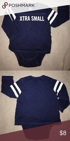 🎯 BabyGap Onesie 🎯 Cute little onesie in great condition. Comes from a smoke and pet-free home. 🌺 bundle and save or make an offer 🌺 GAP One Pieces Bodysuits