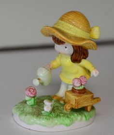 1983-Joan-Walsh-Anglund-Little-Gardener-Figurine