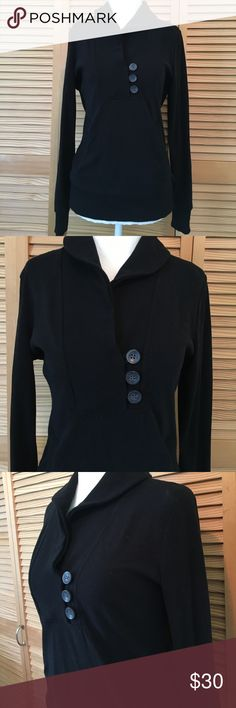 "Banana Republic collar button pocket sweatshirt Banana Republic black sweatshirt in size small. 57% cotton, 38% polyester, 5% spandex. Slit pockets on each side. Surplice collar with button closures. Ribbed collar, cuffs, and band around the bottom. Laying flat measurements: 17.5"" across shoulders, 18"" pit to pit, 24"" sleeve length, 24"" from shoulder down. I have one listed in light gray as well Banana Republic Tops Sweatshirts & Hoodies"