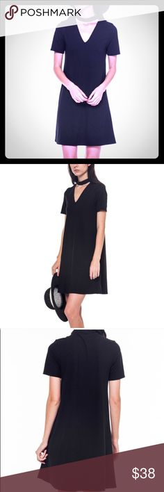 Mock Neck Cutout Dress Black Mock Neck Cutout Shift Dress. Short sleeves. 94% Polyester 6% Spandex. Made in the USA .                                                                    _________________________________________  [Trindy Clozet Boutique Policies]  ✅ Next Business Day Shipping (possibly same day) ✅ Retail prices are firm unless bundled.  ❌ No trades.  Find more styles on our website@  Spreesy.com/trindyclozet  Insta trindy_clozet FB TrindyClozet Twitter trindyclozet Dresses…