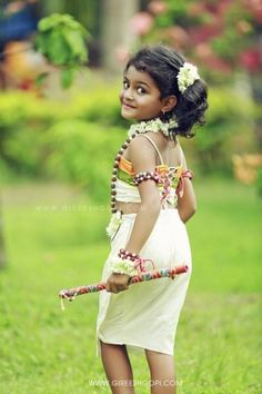 Gireesh Gopi Family and kids Photography Little Girl Photography, Cute Kids Photography, Dehati Girl Photo, Girl Photo Shoots, Dresses Kids Girl, Flower Girl Dresses, Baby Photo Gallery, Kids Blouse Designs, Beautiful Girl Indian