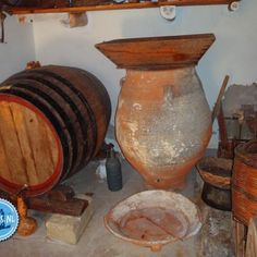 Extra Virgin olive oil Crete Greece - Crete Olive Oil Types Of Olives, Olive Oil Packaging, Pure Olive Oil, Golden Yellow Color, Greek Olives, Crete Greece, Christmas And New Year, Fun Activities, Candle Holders