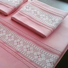 This Pin was discovered by Zey Crochet Borders, Filet Crochet, Crochet Patterns, Sewing Hacks, Sewing Projects, Knit Baby Sweaters, Heirloom Sewing, Bed Covers, Linen Bedding