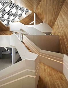 22 impactantes estructuras de madera - The Cocoon (Tianjin, China) by Mochen Architects #estructuras #madera