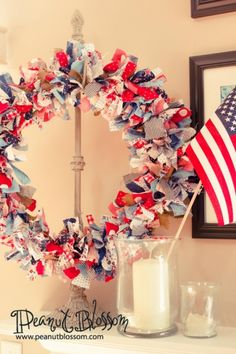 Last minute All-American raggy wreath » Peanut Blossom: Use scrap fabric and you can have this on your mantle in minutes!