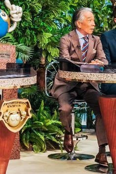 小川カズオフィシャルサイト » Blog Archive インド人もびっくり!? 堺校長の 『夏のスーツスタイル』をひと足お先に大公開!! - 小川カズオフィシャルサイト Dapper Gentleman, Gentleman Style, Burberry Men, Gucci Men, Mens Fashion Suits, Mens Suits, Dress Suits For Men, Japan Fashion, Men's Fashion