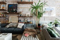 46 Amazing Wall Plants Decor For Cozy Living Room Apartment Decorating Rental, Affordable Apartments, Home, Living Spaces, House Interior, Apartment Decor, Interior Design, Home And Living, Living Room Designs