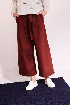 Wide, straight leg pant with elasticated waistband & belt loops. Side seam & back welt pockets. Comes with self fabric belt. Made from premium 100% certified fair trade organic poplin.      Waist Outleg Length Leg Cuff Width     XS 67cm 92.5cm 32cm   S 72cm 93cm 33cm   M 77cm 93.5cm 34cm   L 82cm 94cm 34.5cm   XL 87cm 94.5cm 35.5cm    Model is 180cm/5'11