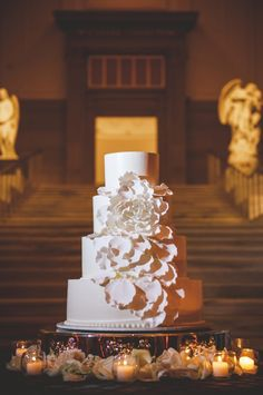 White Flower Wedding Cake | photography by http://www.rebekahjmurray.com/