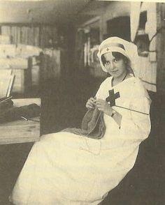 Red Cross nurse knitting