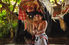 #keris in the #Barong #dance. #balinese #Fusion #bellydance #workshop ...