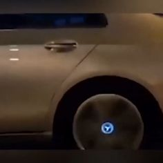 , Magnetic Suspension LED Floating Wheel Cap , Emblem remaining upright while driving all the time. LED will glow at night while driving in speed over 20 MPH. No batteries required for LED option a. Carros Suv, Kombi Motorhome, Bmw 7, Cute Car Accessories, Vehicle Accessories, Jeep Wrangler Accessories, Girly Car, Bmw Autos, Car Gadgets