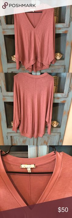 e20d5622bb Shop Women s Anthropologie Pink size S Tops at a discounted price at  Poshmark. Description  In euc size small Eri + Ali.