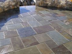 If you love natural stone and are looking to create a beautiful patio in your yard, Stone patio designs, Flagstone patio and Paving stone patio. Slate Pavers, Paver Stone Patio, Limestone Patio, Bluestone Pavers, Outdoor Paving, Slate Patio, Patio Slabs, Patio Tiles, Pathway Stone