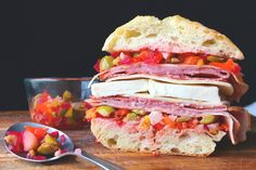 Forget those ordinary Italian subs and deli sandwiches. Spice up your lunch with new recipes for fantastic sandwiches featuring Italian ingredients. English Tea Sandwiches, Tee Sandwiches, Italian Sandwiches, Vegetarian Sandwiches, Gourmet Sandwiches, Finger Sandwiches, Gourmet Recipes, New Recipes, Cooking Recipes