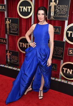 2015 Screen Actors Guild Awards Red Carpet///  Help me.  I am be eaten by a blue glob.