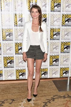 What to Wear: With a White Blazer // Keri Russell went for a sexy tomboy vibe