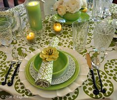 Eye-pleasing tablescape.  Green can be done so delightfully.